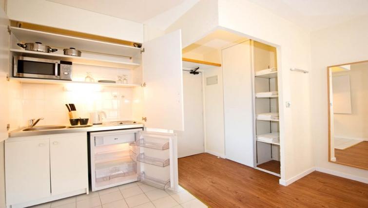 Basic kitchenette in Gare de L'Est Apartments