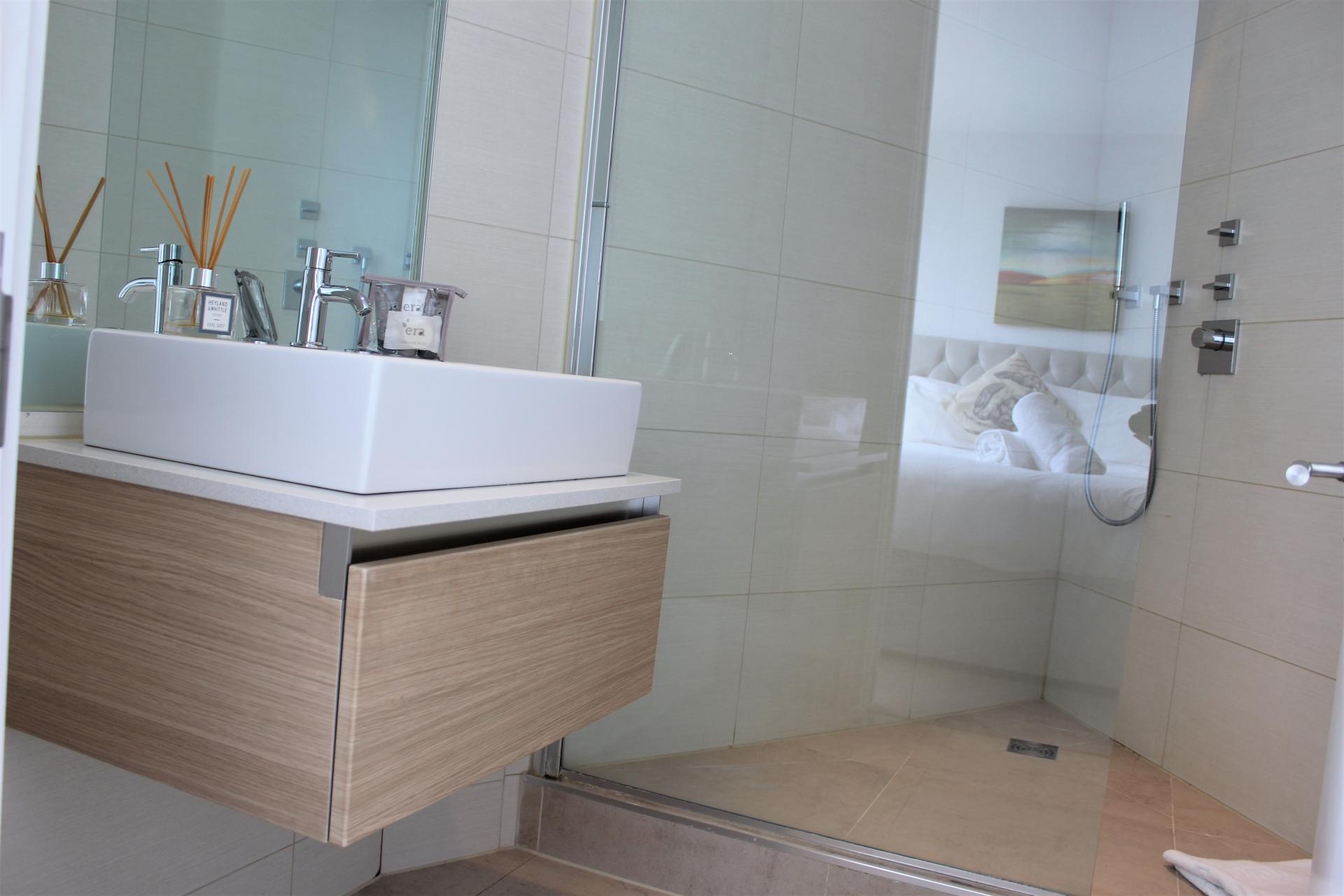 Bathroom at Gunwharf Quays Apartments, Gunwharf Quays, Portsmouth
