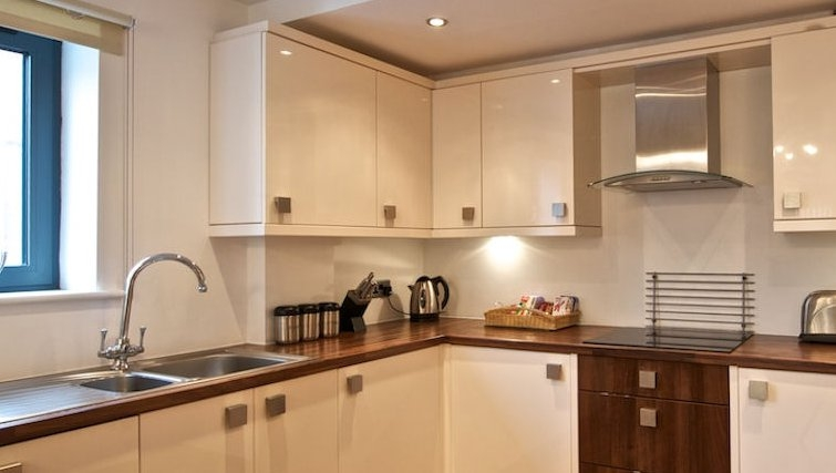 Outstanding kitchen in Bloom Apartments