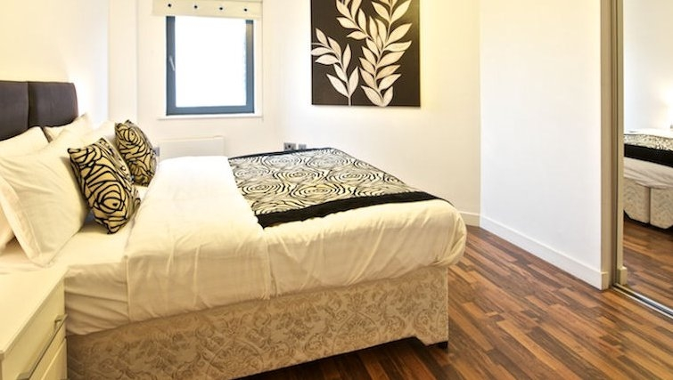 Executive bedroom in Bloom Apartments