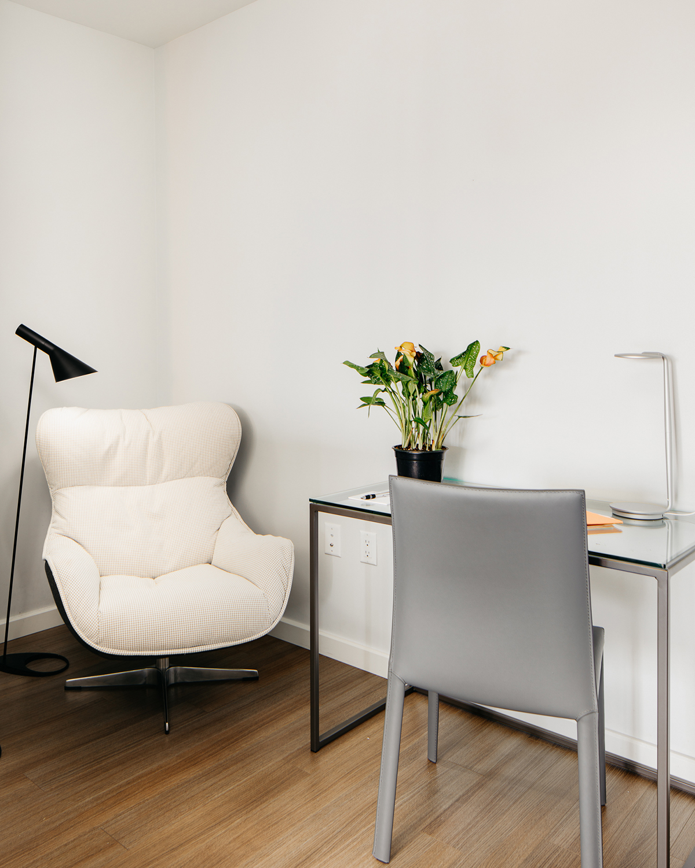 Desk at Van Ness Serviced Apartments