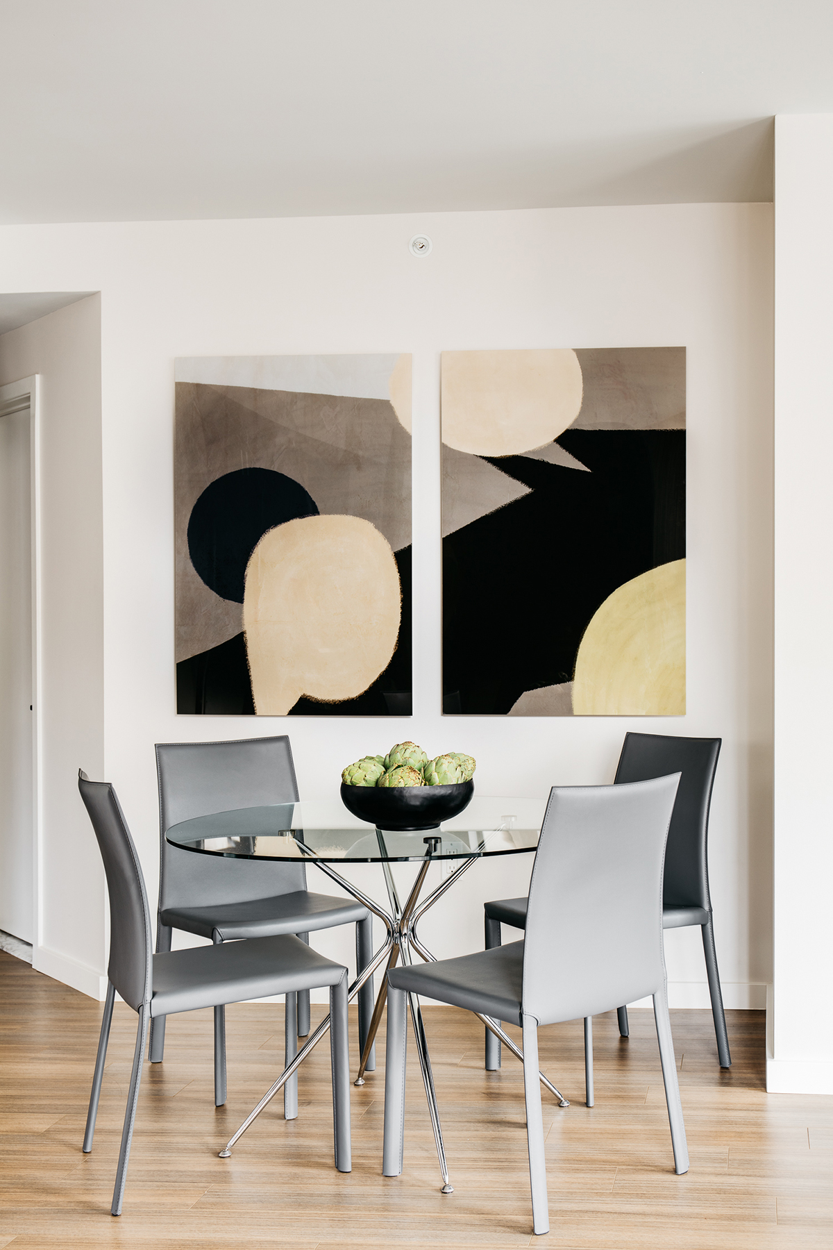 Dining table at 150 Van Ness Apartments