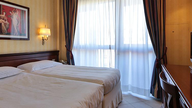 Twin bedroom at Contessa Jolanda Residence By Gruppo Una