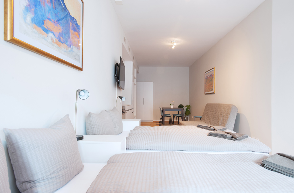 Modern bedroom at Marktplatz Apartments