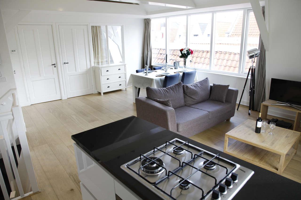 Stove at Le Petit Prince IV Apartment, Amsterdam