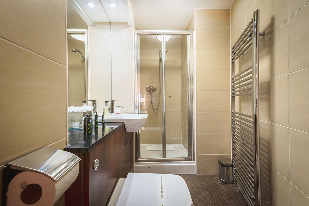Shower at The Knight Residence, Old Town, Edinburgh