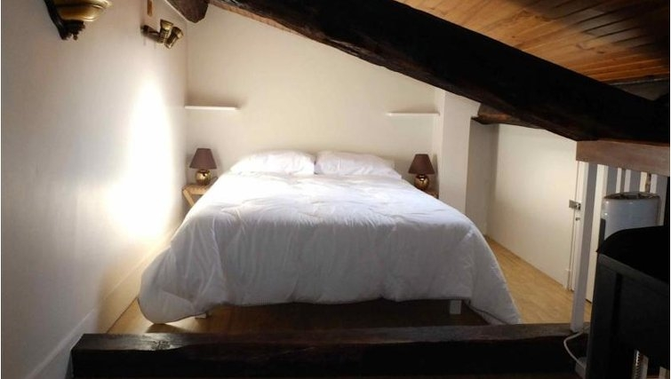 Beautiful bedroom in Adagio Paris Haussmann