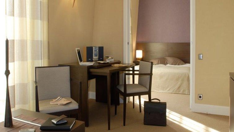 Attractive dining area in Adagio Paris Haussmann