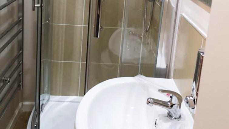 Bathroom at Metropolitan House Serviced Apartments