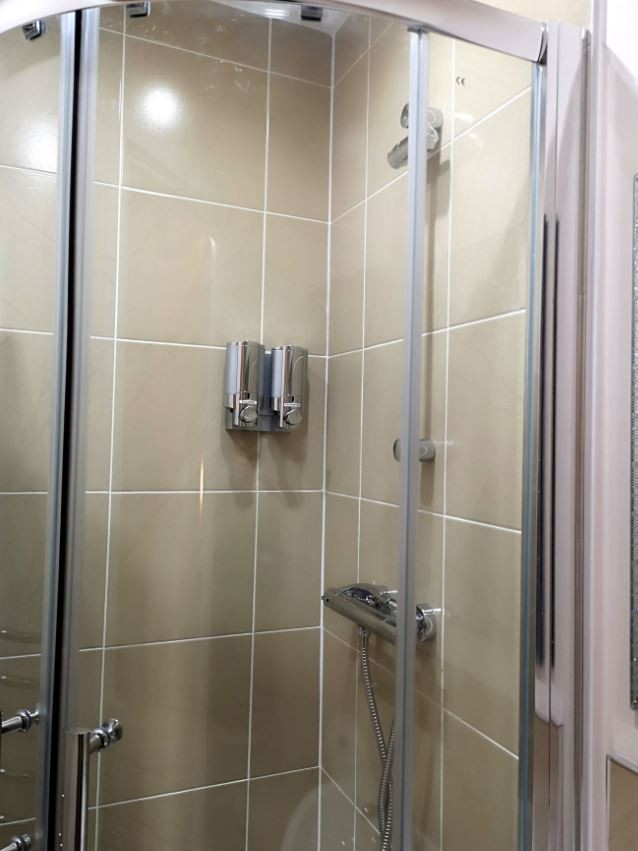 Shower at Metropolitan House Serviced Apartments