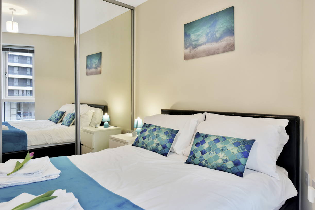 Double bed at Cuba Street Apartment