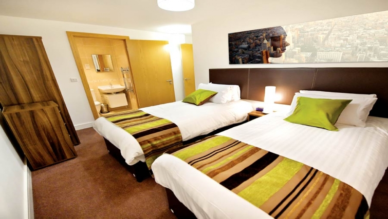 Executive bedroom in Lever Court Apartments