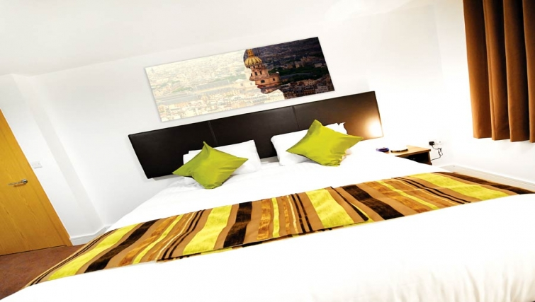 Colourful bedroom at Lever Court Apartments