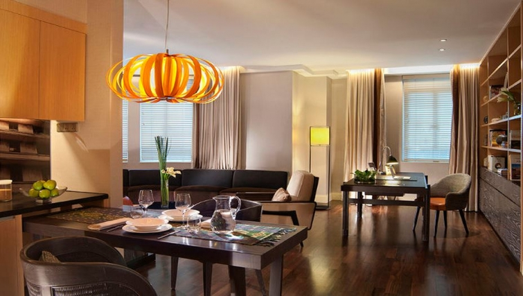 Dining area in Ascott Raffles Place Singapore Apartments, Singapore