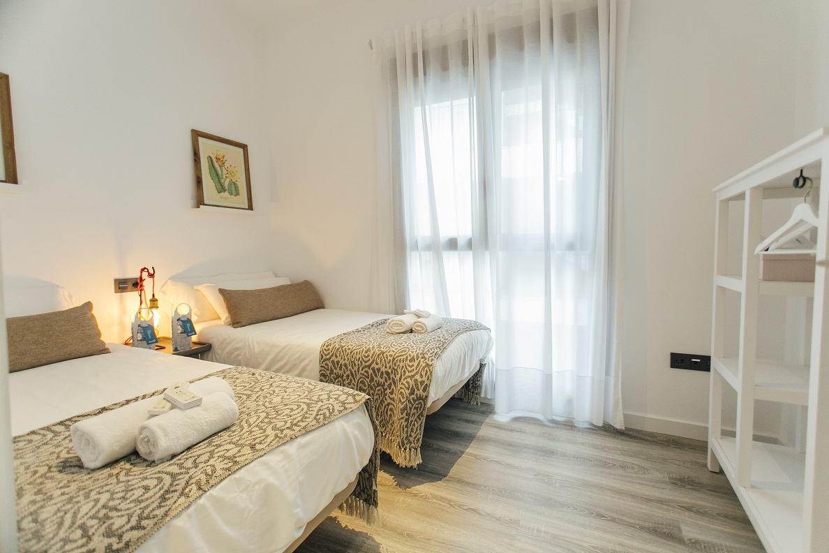 Twin beds at Aguilas Apartment, Centre, Seville