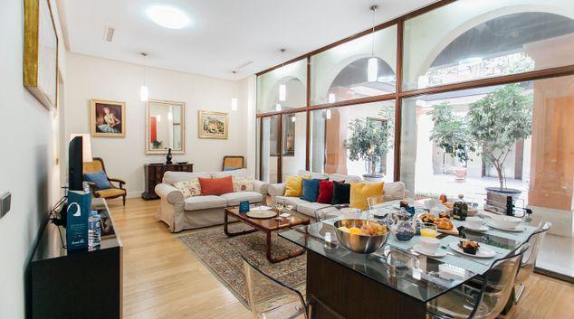 Living area at Conde de Torrejon Apartment, Centre, Seville