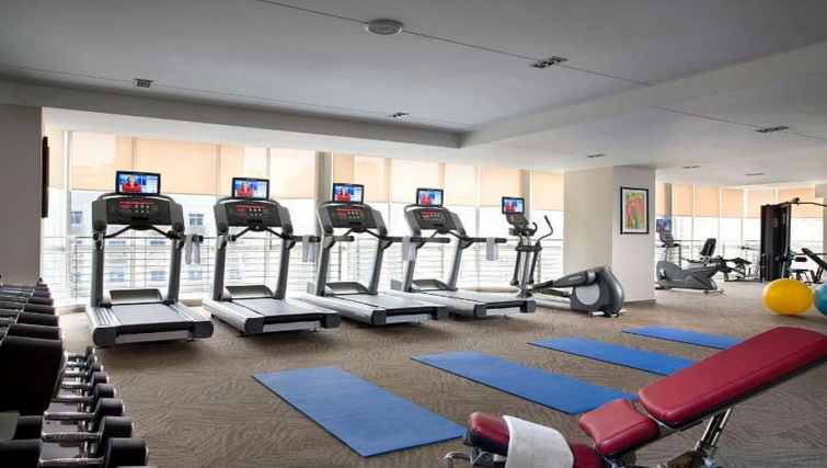 Cutting edge gym in Somerset JieFangBei Apartments