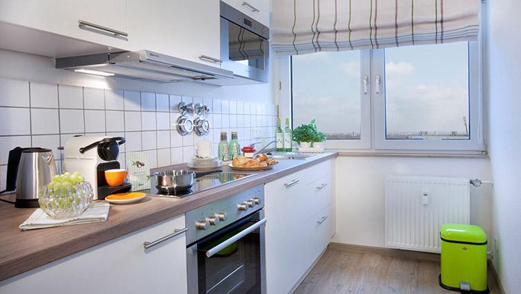Equipped kitchen at Lindner Messe Residence Dusseldorf