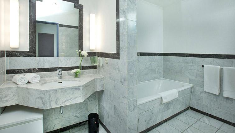 Bathroom at Lindner Messe Residence Dusseldorf