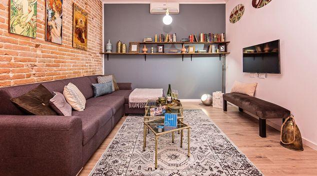 Living room at La Pedrera - Paseo de Gracia Apartment