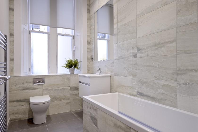 Bath at Charlotte Square Apartments