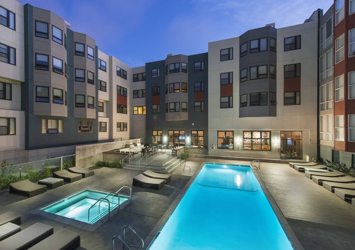 Pool at 2000 Post Apartments
