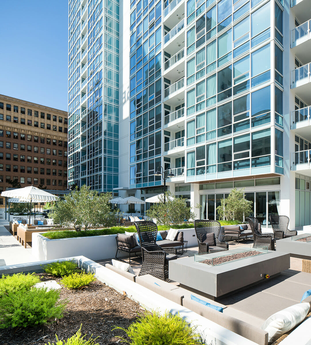 Downtown Los Angeles Apartments - SilverDoor