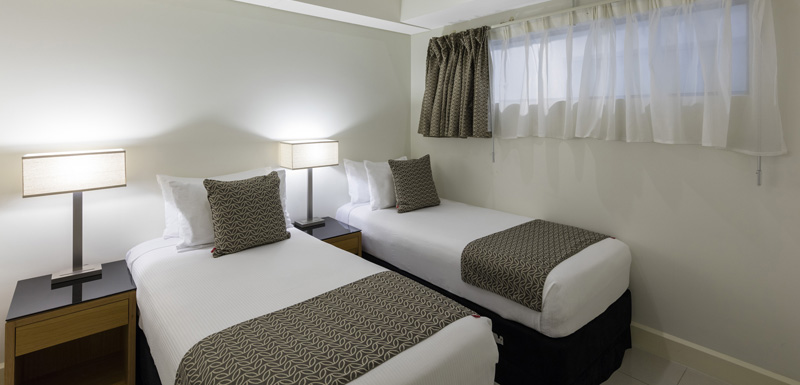 Twin beds at Oaks Darwin Elan Hotel Apartments