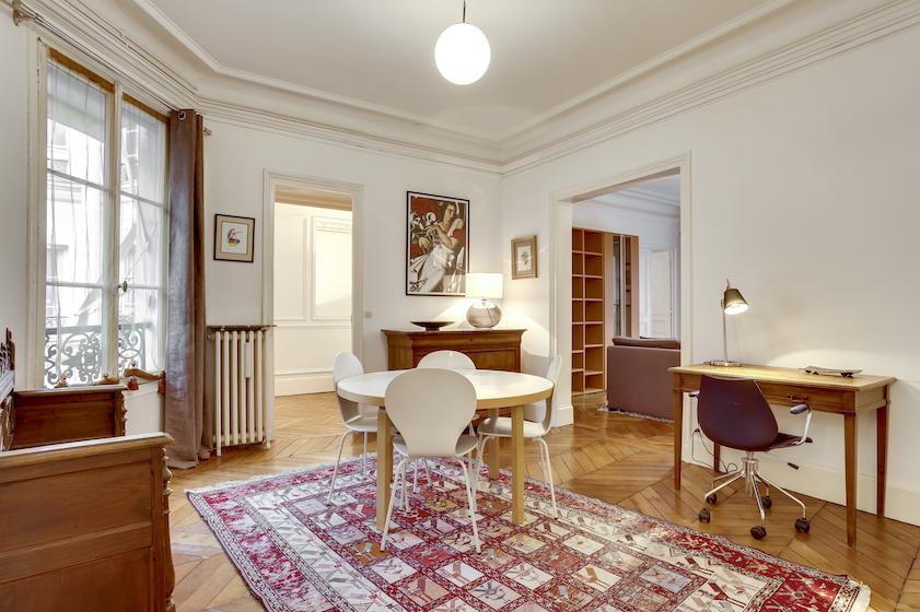 Living area at Rue du Petit Musc Apartment