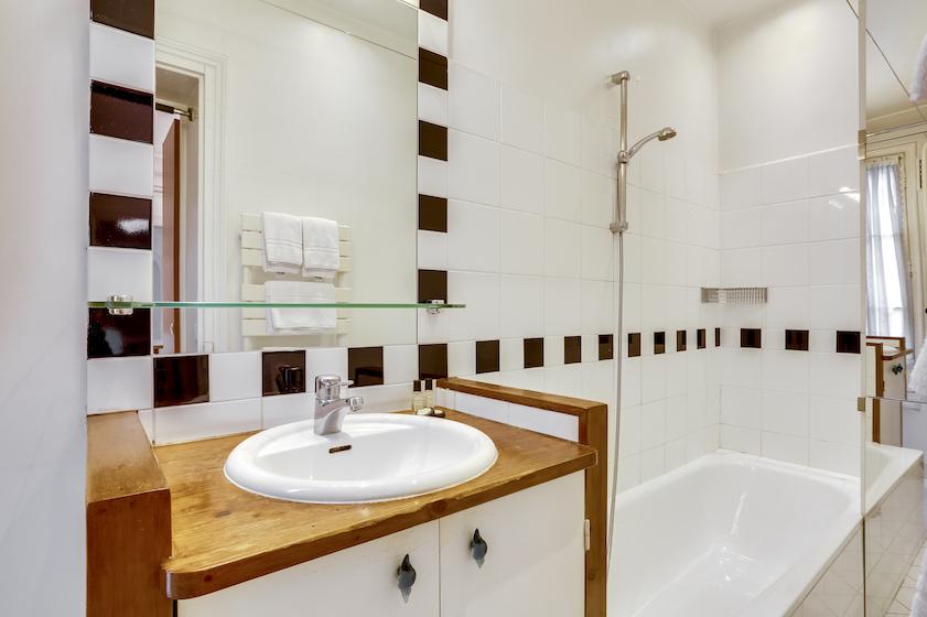 Bathroom at Rue du Petit Musc Apartment