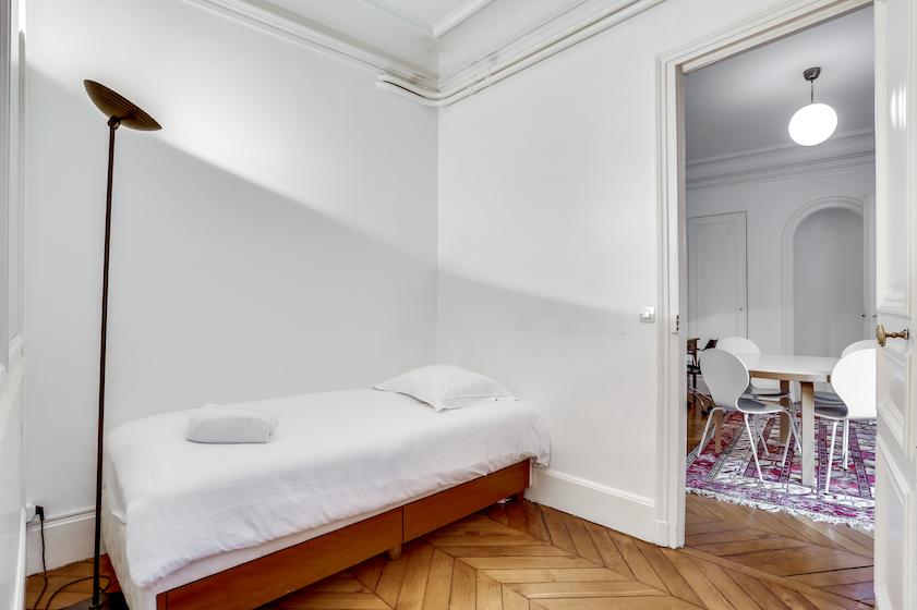 Single bedroom at Rue du Petit Musc Apartment