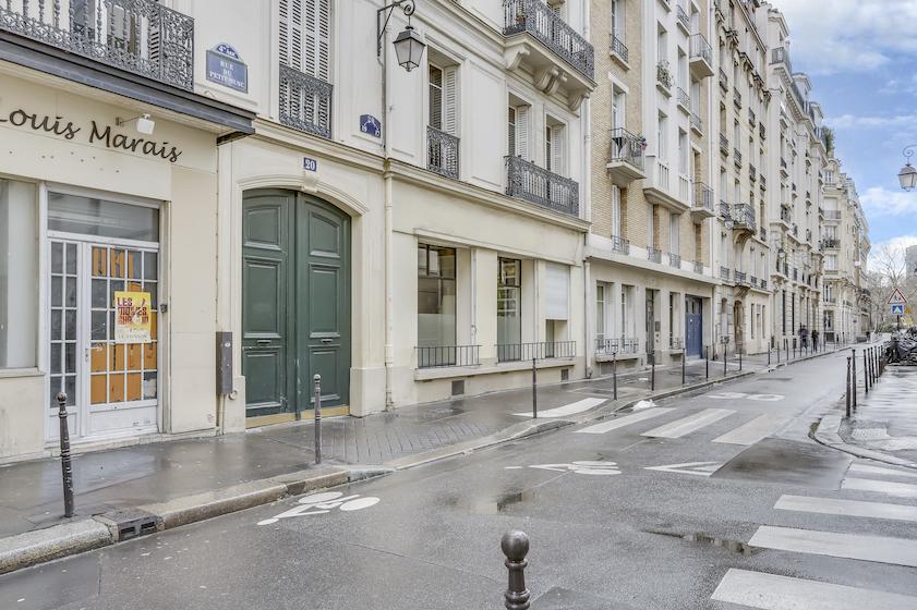 Outside at Rue du Petit Musc Apartment