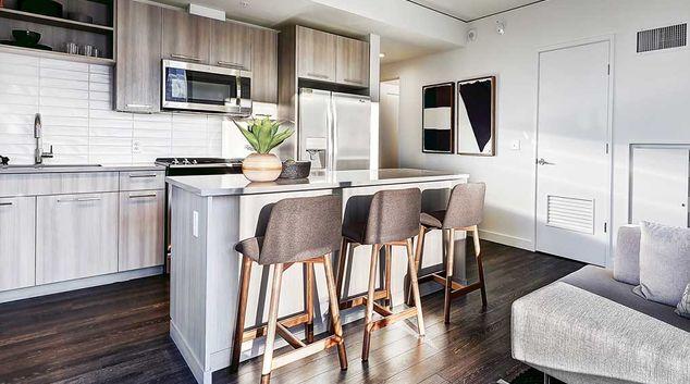 Amli Arc Corporate Housing Silverdoor