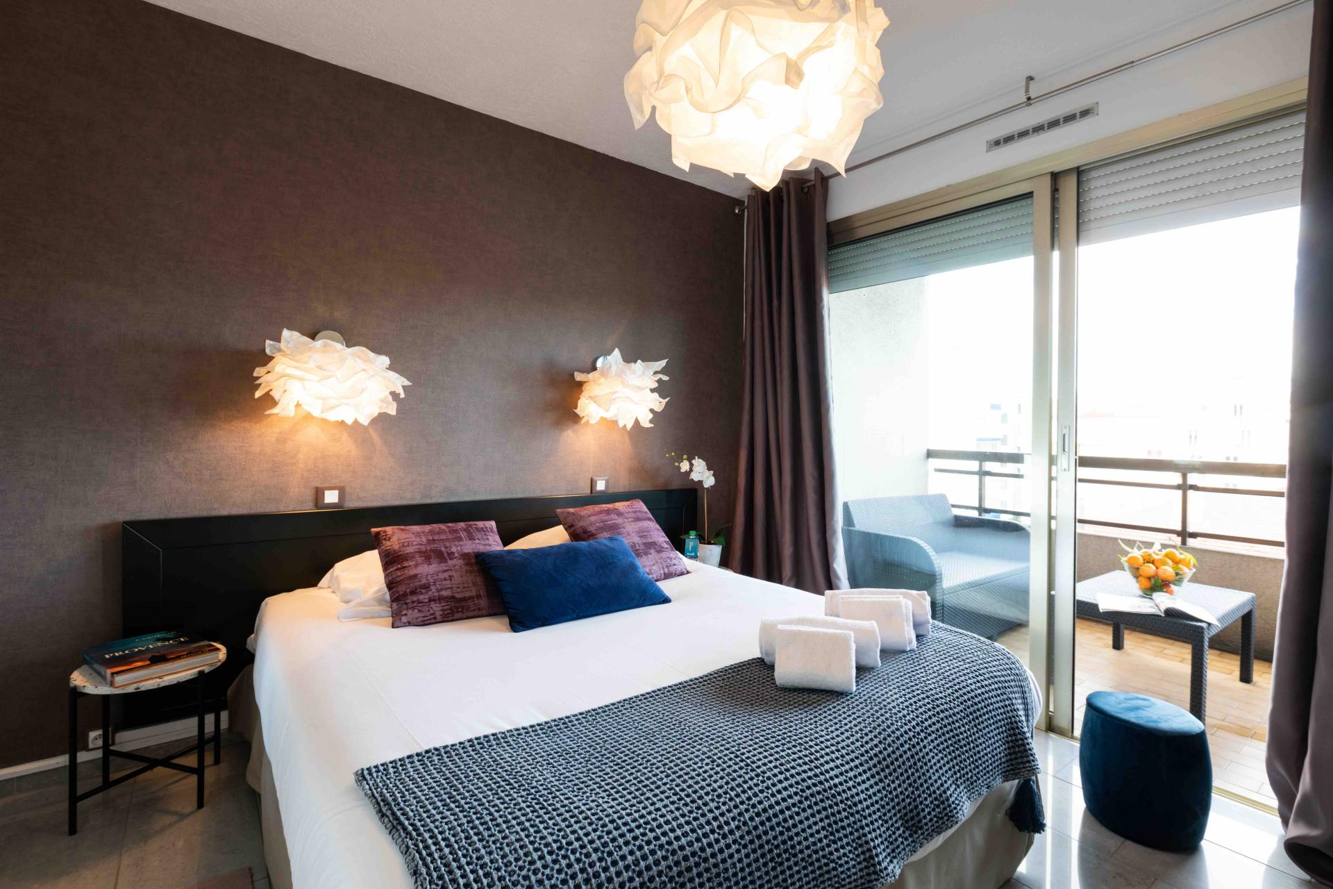 Bedroom at Avenue Alexandre Apartments, Juan-les-Pins, Antibes