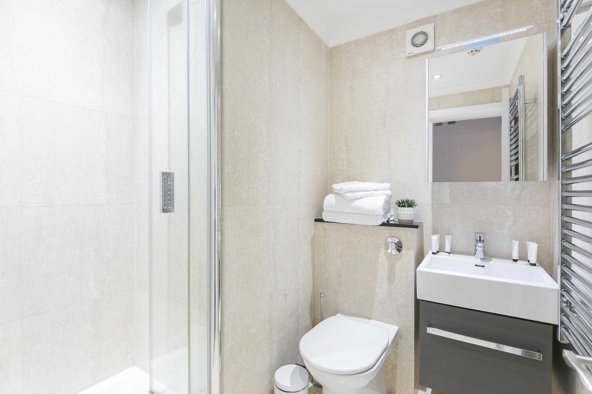 Bathroom at Chilworth Court Serviced Apartments, Paddington, London
