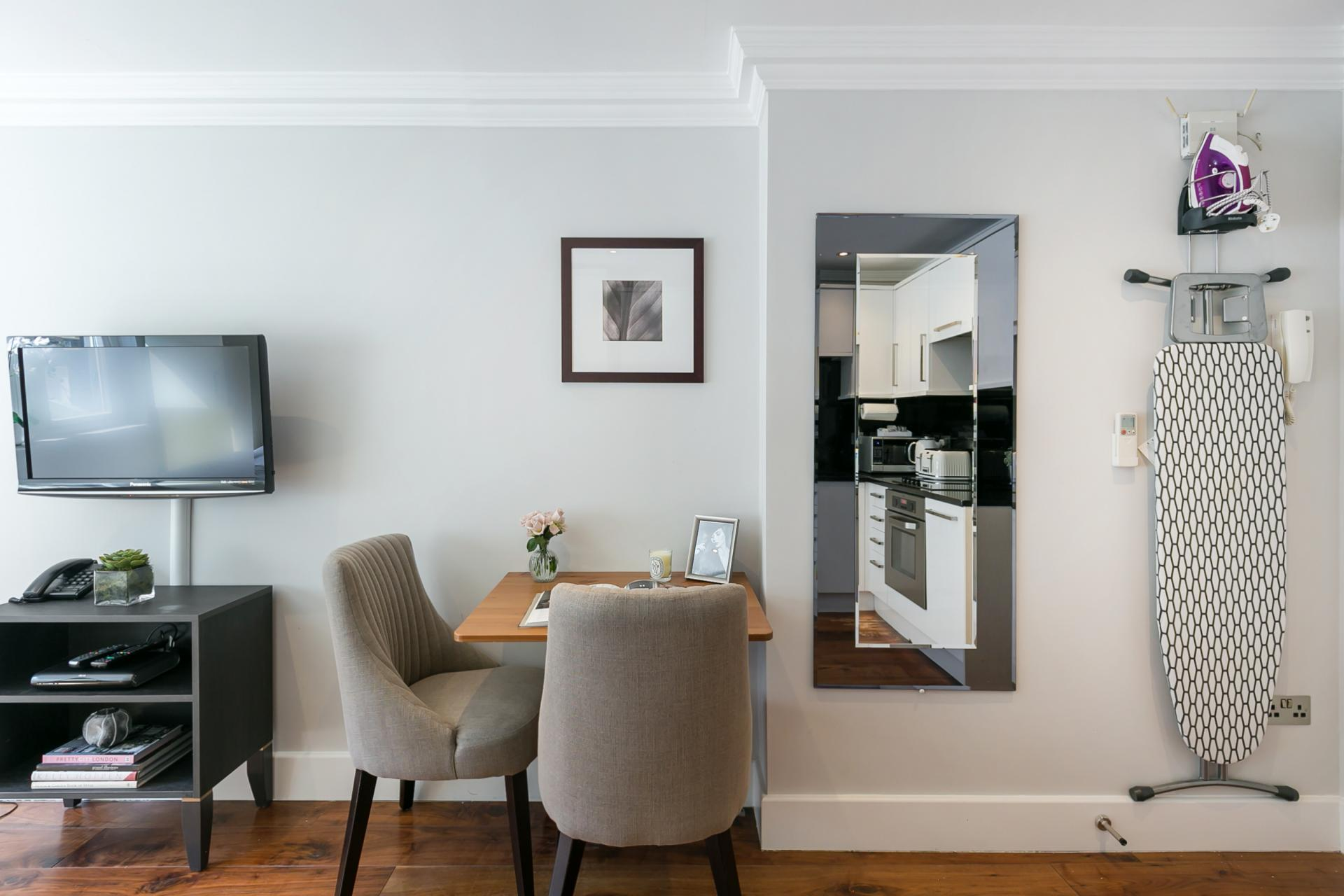 Dining area at Chilworth Court Serviced Apartments, Paddington, London