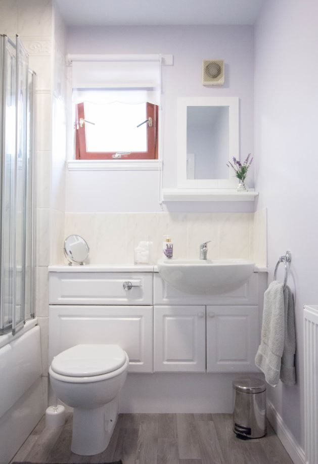 Bathroom at South Groathill Serviced Apartment
