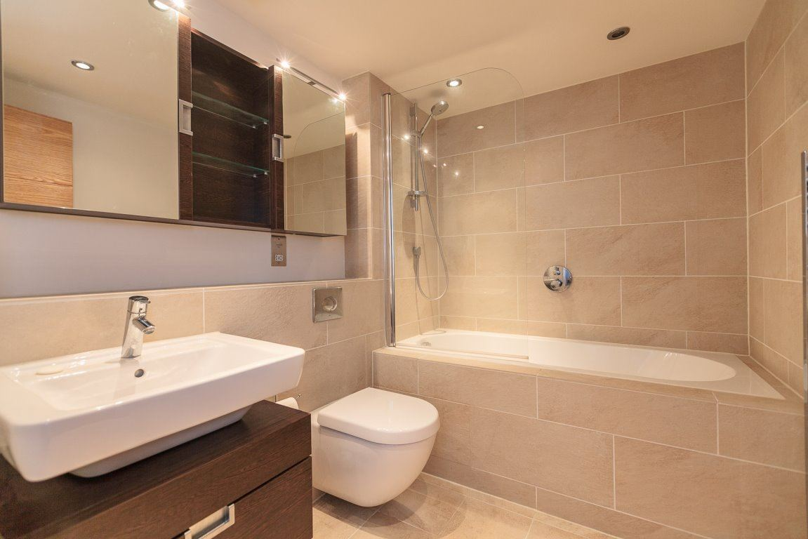 Bath at Simpson Loan Apartments