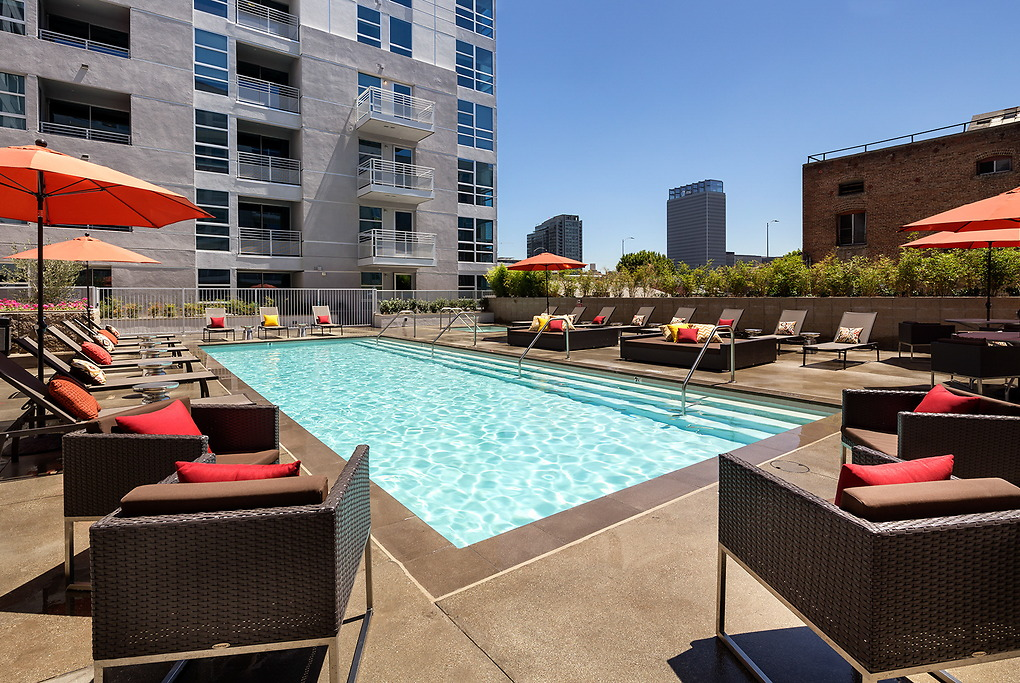 Pool at Avant Apartments