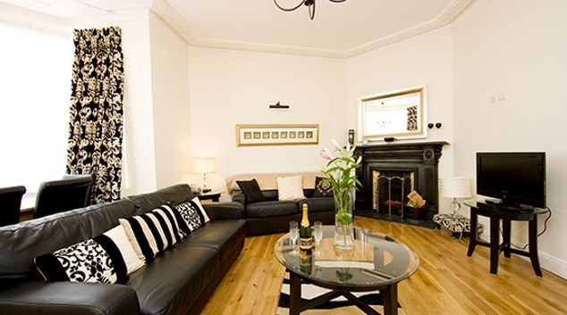 Living room at Tyrconnell Road Apartments