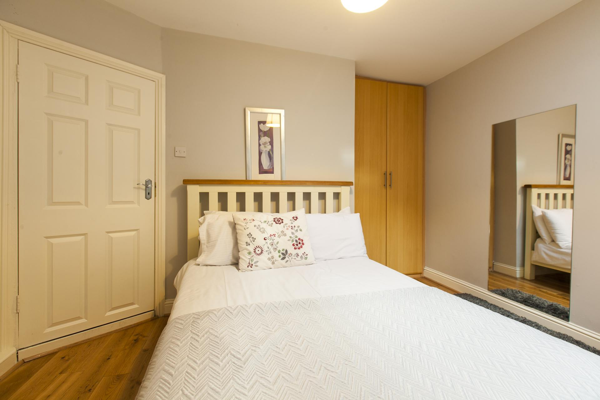 Bedroom at Tyrconnell Road Apartments