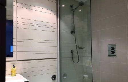 Shower at Meadowside Quay Apartment