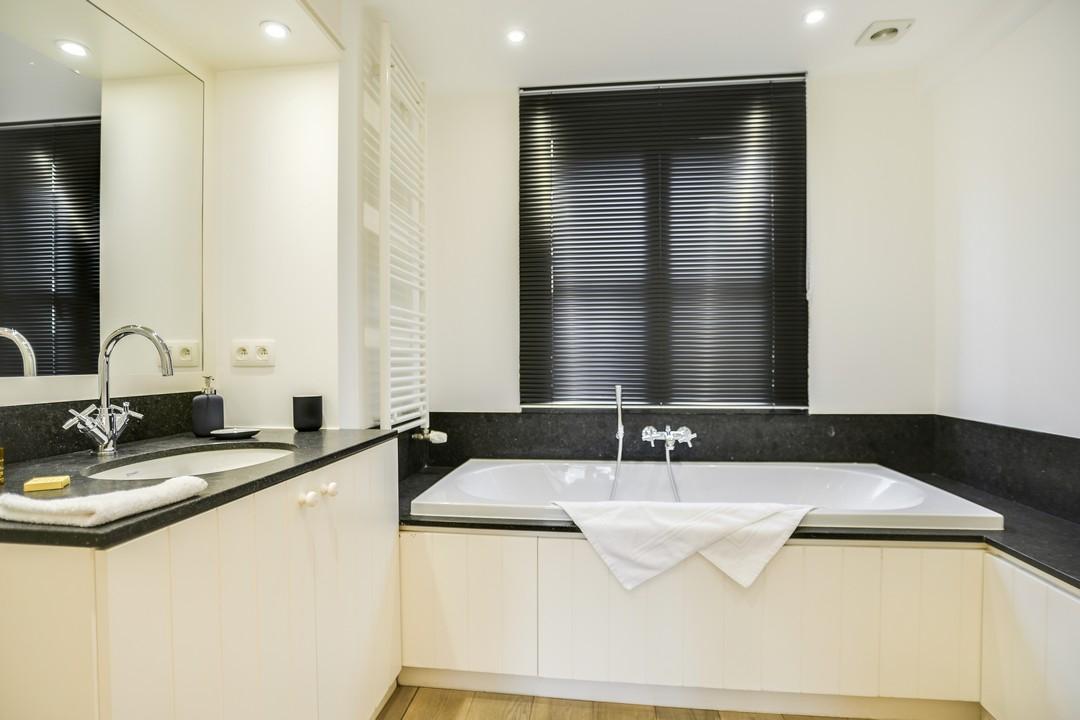 Bath at Sablons Apartment