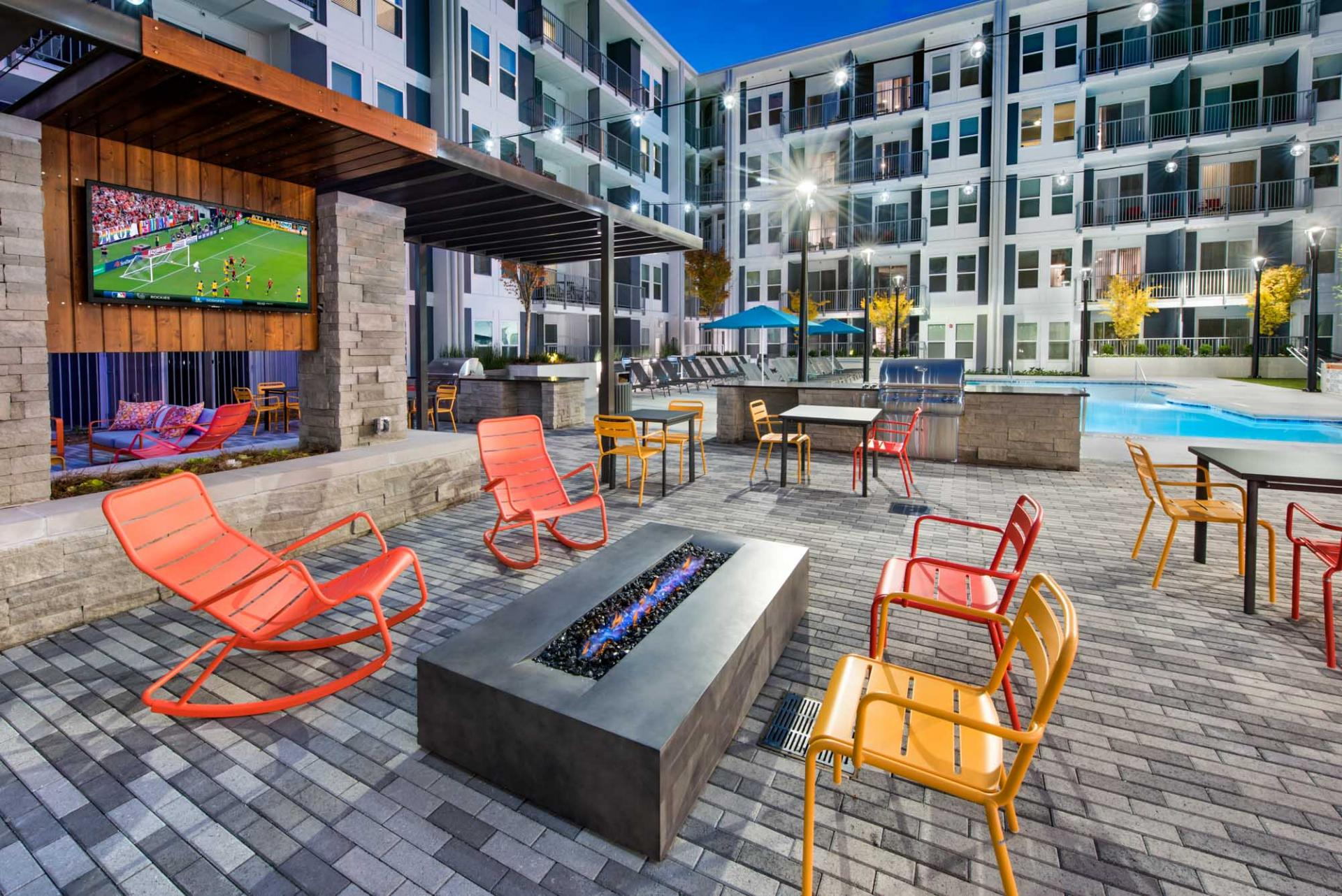 Courtyard at Spectrum on Spring Apartment