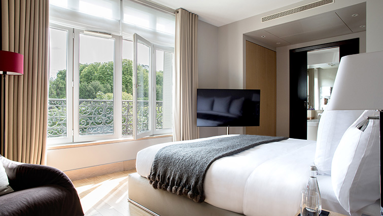 TV at La Reserve Paris Apartments