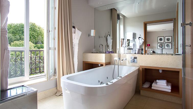 Bathroom at La Reserve Paris Apartments