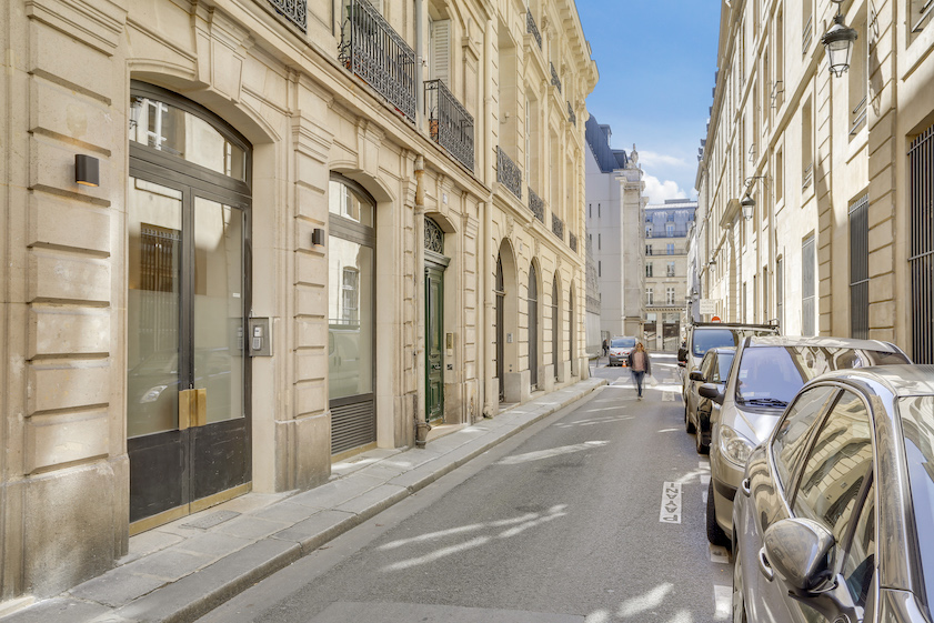 Street view at Ru Des Bons Enfants Apartment