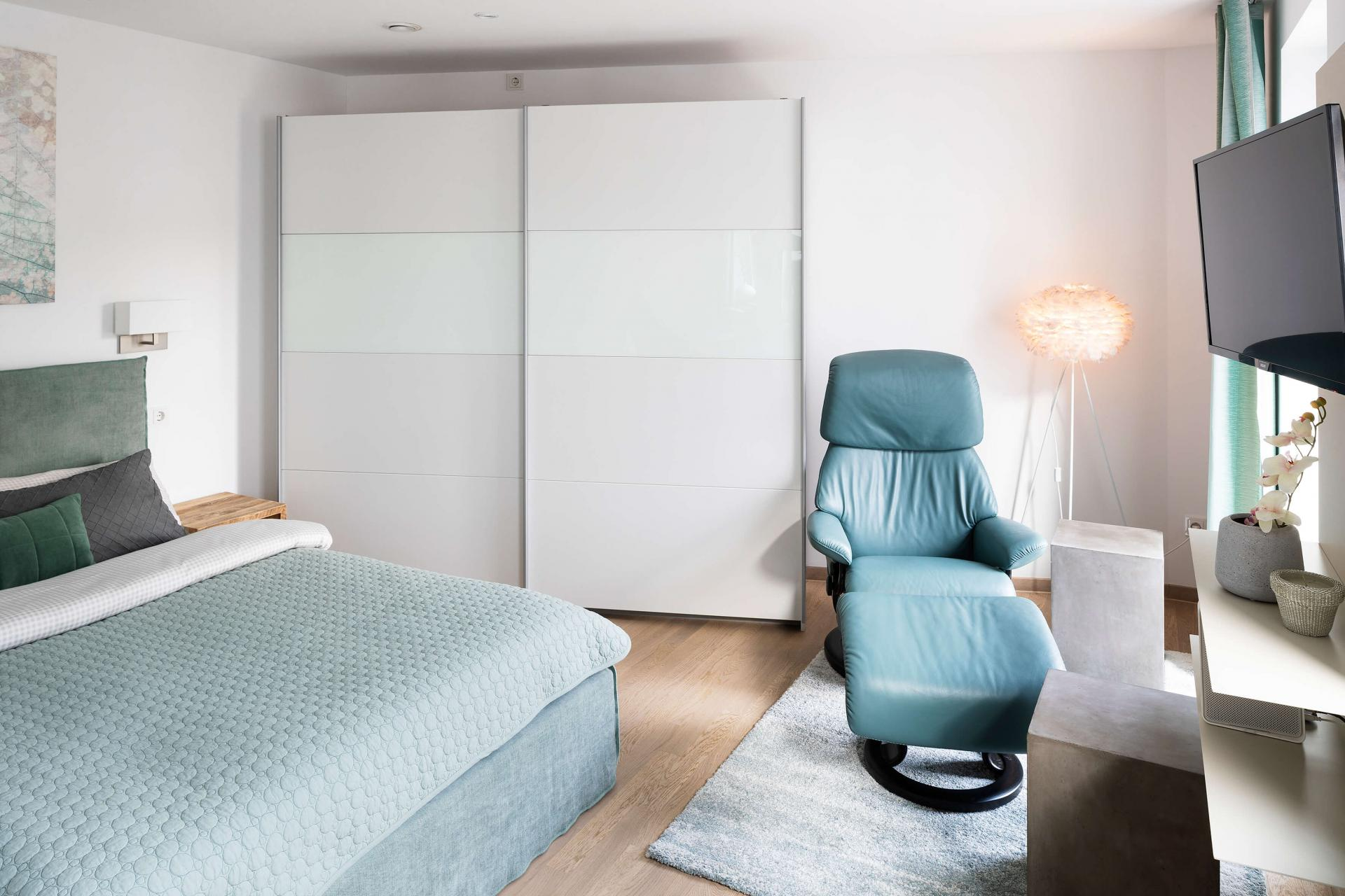 Bright bedroom at Westend Apartments