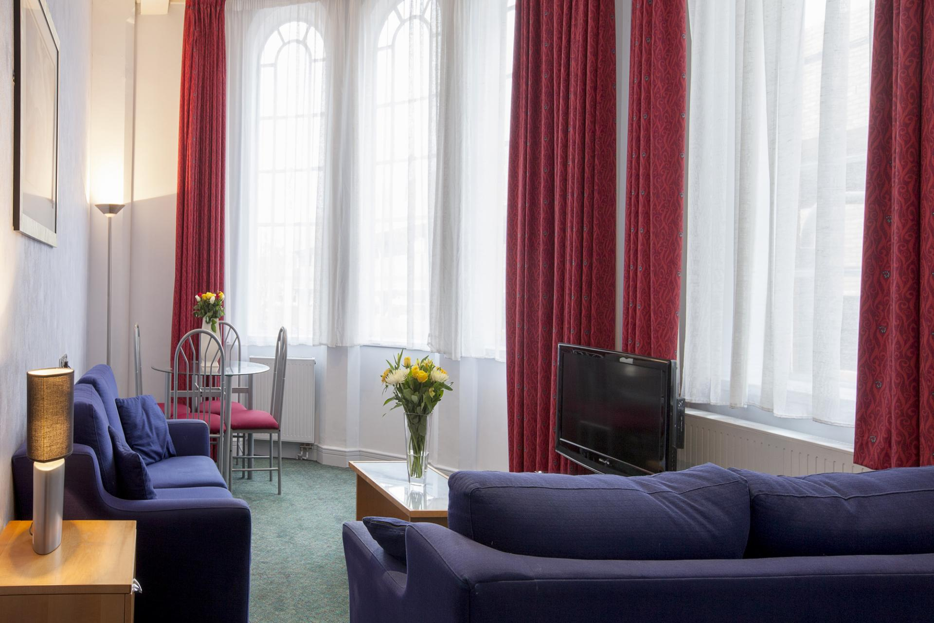 TV at Pilcher Gate Serviced Apartments