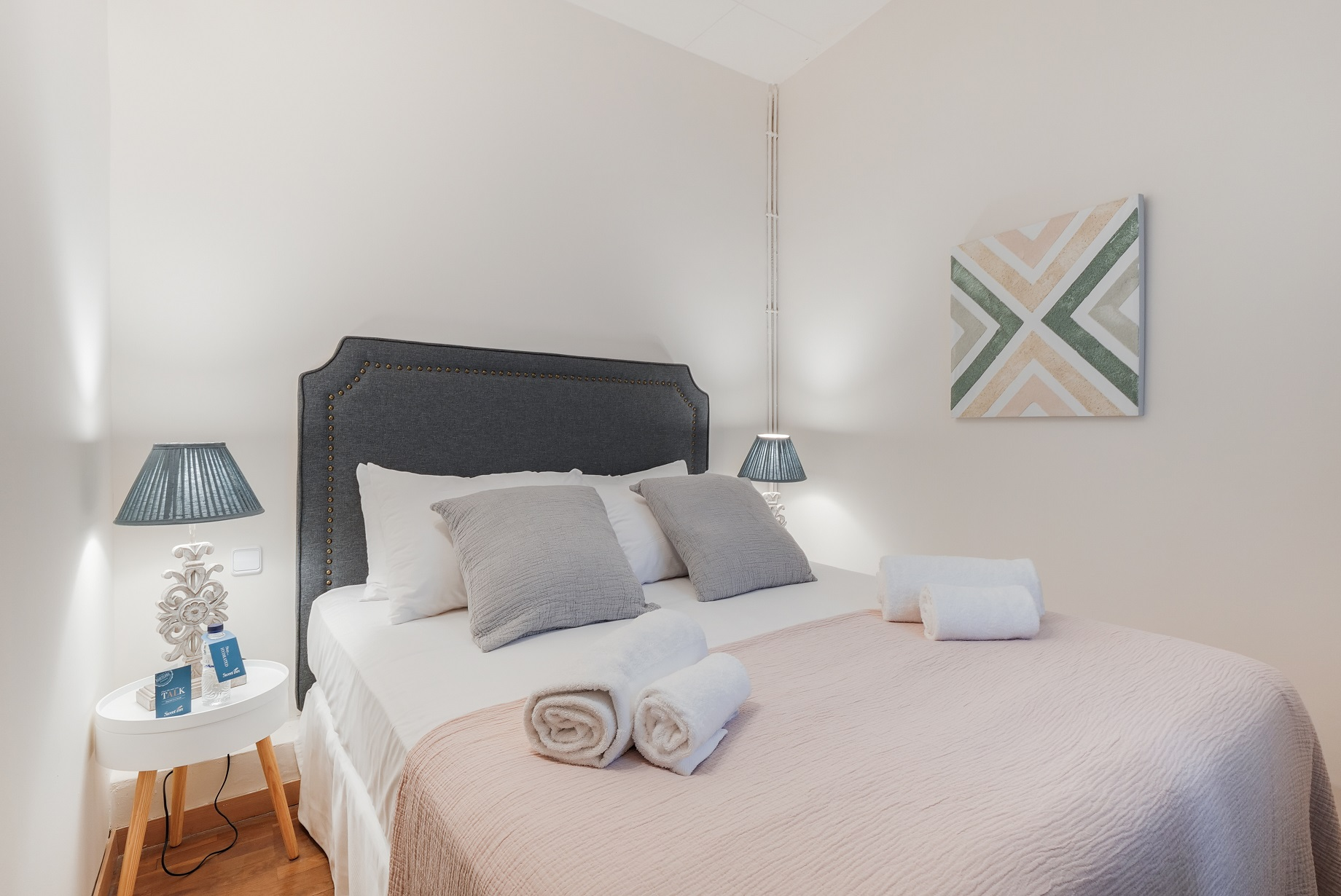 Stylish room at Rocafort Apartments